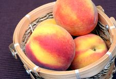 Free Fresh Peaches Stock Photography - 5819482