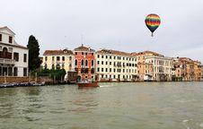 Free The Canals In Venice Royalty Free Stock Photography - 5820907