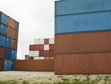 Free Cargo Containers At The Port Royalty Free Stock Images - 5821319