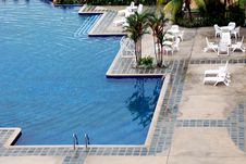 Free Swimming Pool Royalty Free Stock Photography - 5821417