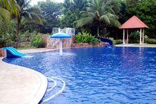 Free Swimming Pool Royalty Free Stock Image - 5821816
