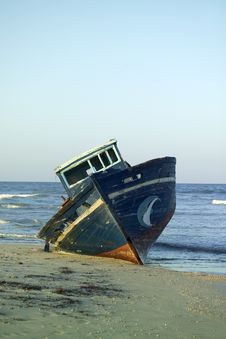Free Neglected Fishing Boat Stock Photo - 5822320