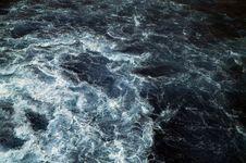 Free Sea Wave Royalty Free Stock Photos - 5822388