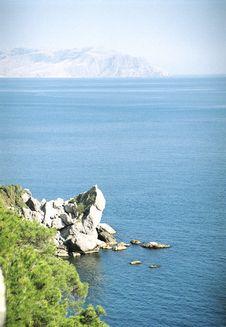 Free A Rock Looks Like A Tortoise Stock Image - 5823361