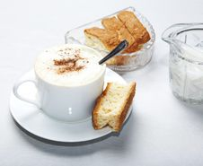 Free Coffee In White Cup With Rusk Royalty Free Stock Images - 5823979