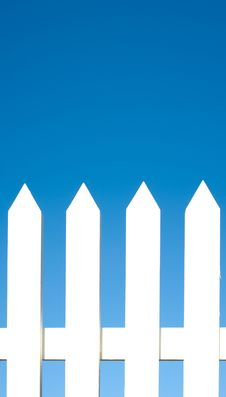 Free White Picket Fence Background Stock Photography - 5825822