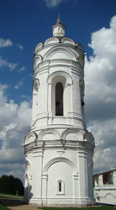 Free Georgievskaja A Belltower 16 Century Royalty Free Stock Photography - 5827877