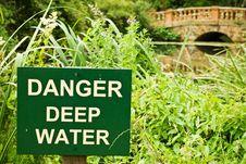 Free Danger Deep Water Royalty Free Stock Photos - 5828888