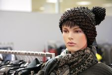 Free Woman Mannequin In Trendy Hat Royalty Free Stock Photography - 5829717