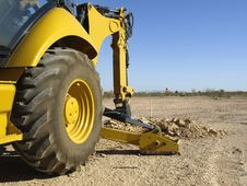 Free Steam Shovel Digging In The Ground - Horizontal Stock Photo - 5829850