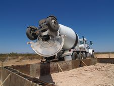 Cement Mixing Truck On Excavation Site - Horizo Royalty Free Stock Images