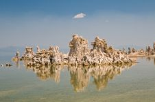 Free Tufa Rock Formation Royalty Free Stock Image - 5830426