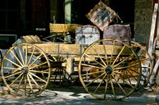 Free Antique Wooden Cart Stock Photo - 5831010