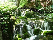 Free Waterfall Stock Photography - 5833432