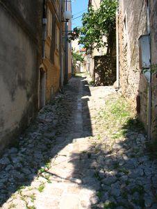 Free Narrow Streets And Buiding Stock Photo - 5833600