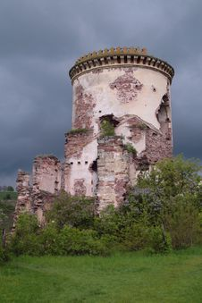 Constrast Tower At Dark Sky Royalty Free Stock Image