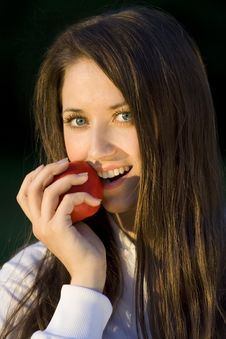 Free Girl With Apple Royalty Free Stock Photos - 5839358