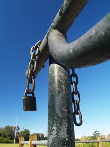 Free Chain And Padlock Stock Photos - 5840833