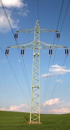 Free Transmission Tower Royalty Free Stock Photo - 5841015