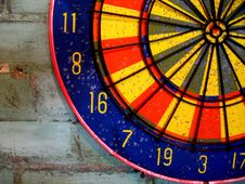 Free Dartboard On Brick Wall - Horizontal Royalty Free Stock Photos - 5842338