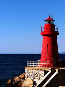 Free The Red Lighthouse Stock Images - 5848684