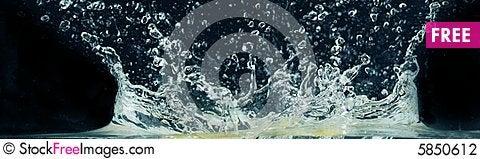 Free Splashing Water Stock Photography - 5850612