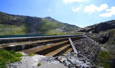 Free Reservoir Water And Dam In Mountain Royalty Free Stock Image - 5850796