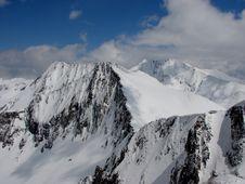 Free Mountains Sunny Ridges Royalty Free Stock Photos - 5855578