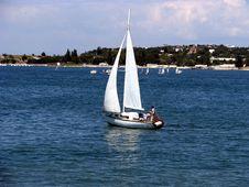Free Single Yacht Royalty Free Stock Photos - 5856428