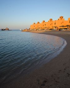 Free Sunset View Of Beachfront Hotel Royalty Free Stock Images - 5857029