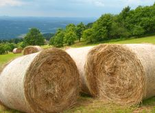 Free Harvested Mountain Field Royalty Free Stock Photos - 5858168
