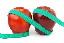 Free Apples And Measuring Tape Royalty Free Stock Photography - 5859387