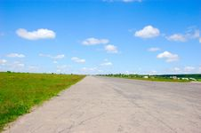 Free Long Wide Road Royalty Free Stock Image - 5859876