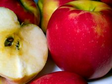 Free Apple Half And Whole Stock Images - 5861224
