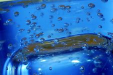Free Blue Water With Bubbles Stock Photography - 5864402