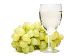 Free Wine In A Glass And Grapes Royalty Free Stock Photos - 5864488