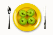 Free Green Apples On Yellow Plate Royalty Free Stock Photography - 5864527