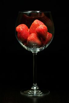 Free Strawberry In Glass Royalty Free Stock Photos - 5865318
