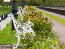 Free Park Bench Royalty Free Stock Images - 5866769