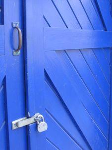 Free Padlocked Door Stock Photography - 5866942