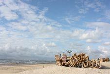 Free Dali On The Beach Royalty Free Stock Image - 5868556