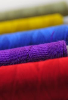Free Spool Of Thread Macro Royalty Free Stock Photography - 5869467