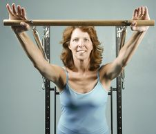 Free Woman Doing A Strength Workout Royalty Free Stock Image - 5872046