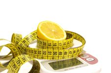 Free Lemon And Scale Isolated Royalty Free Stock Image - 5872916