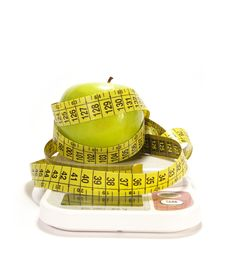 Free Green Apple And Tape Measure Royalty Free Stock Photo - 5872985