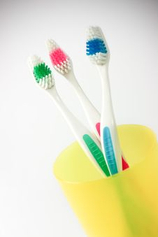 Free Tooth-brushes Stock Photo - 5873930