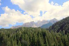 Free Green Pines & Mountain Rocks Royalty Free Stock Photography - 5874157