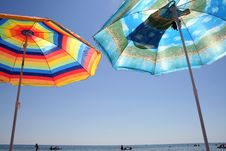 Free Umbrellas On Sunny Beach Royalty Free Stock Image - 5874376