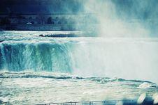 Free Niagara Falls Stock Image - 5876891