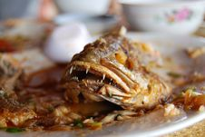 Free Fried Whole Fish Royalty Free Stock Images - 5879689